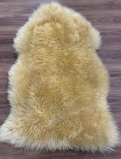 16 Large Coloured Lambs Wool Gold